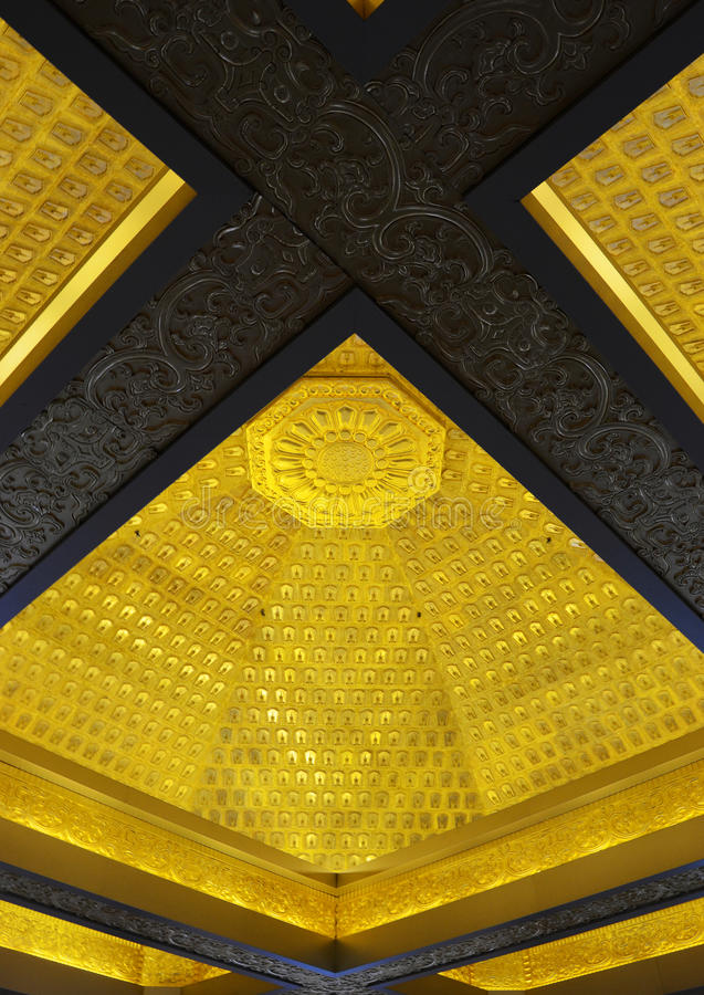 Download Magnificent Carving Interior Ceiling Stock Image - Image: 26764033