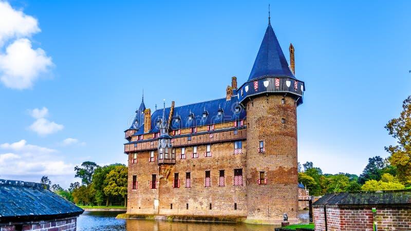 Magnificent Castle De Haar rodeado por una fosa, una reconstrucción del siglo XIV del castillo totalmente en los fin del siglo XI fotografía de archivo libre de regalías