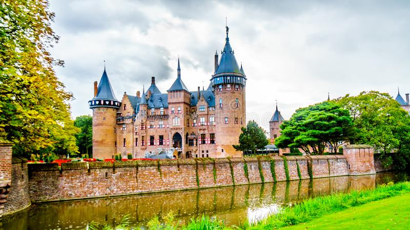 Magnificent Castle De Haar surrounded by a Moat and Beautiful Gardens. A 14th century Castle and restored in the late 19th century stock photography