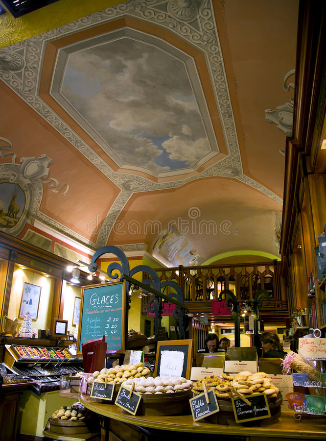 Download Magnificent Pastry Shops Of Nice Editorial Stock Image - Image: 35083924