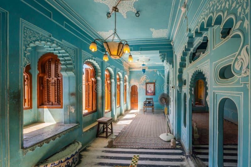 Magnificently projektujący i dekorujący wnętrza Udaipur miasta pałac, zdjęcia royalty free