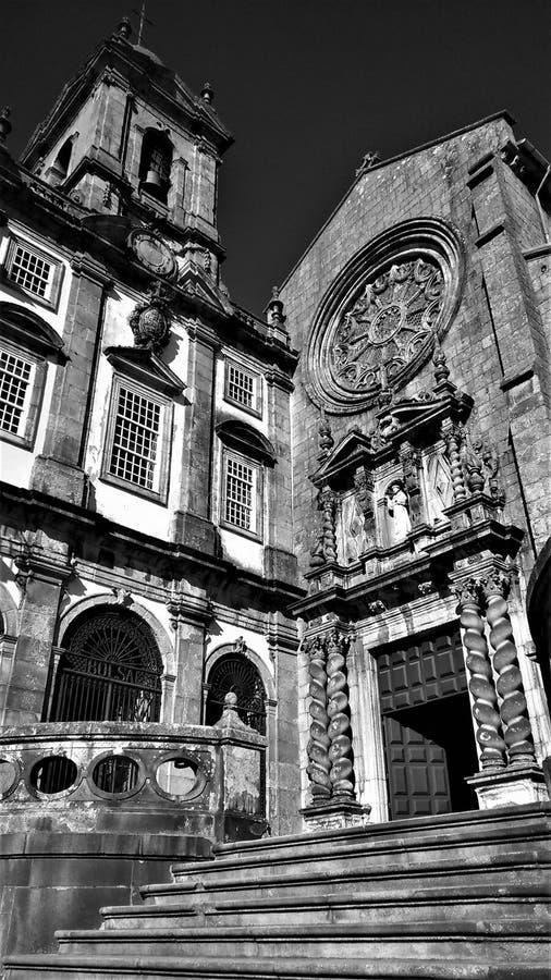 Magnifique cathédrale historique dans le centre de Porto photographie stock libre de droits
