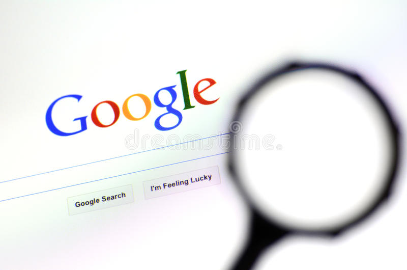 Download Magnifying Glass Against Google Homepage Editorial Image - Image: 43373865