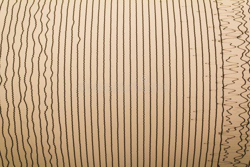 Magnitudo-Linien des Erdbebens stockbilder