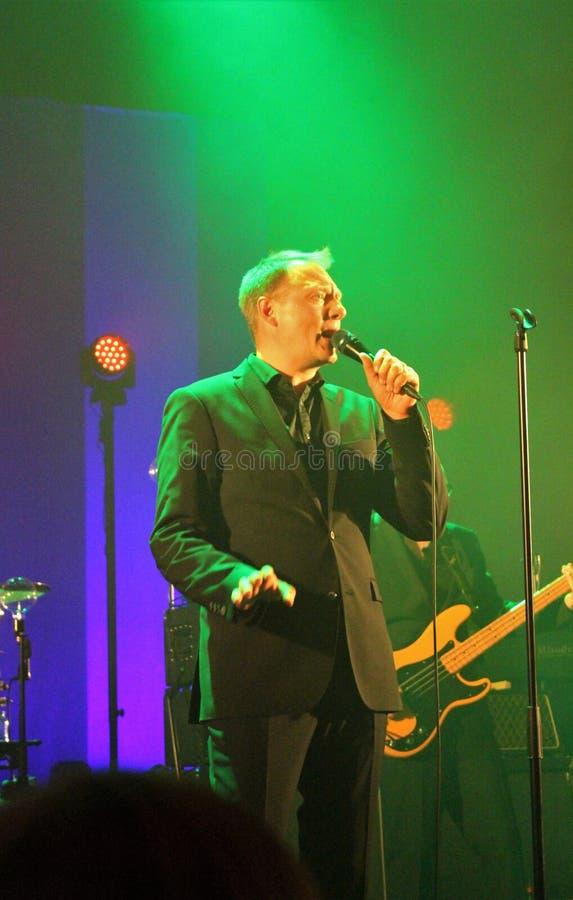 Magnus Carlson e Weeping Willows fotografia de stock royalty free