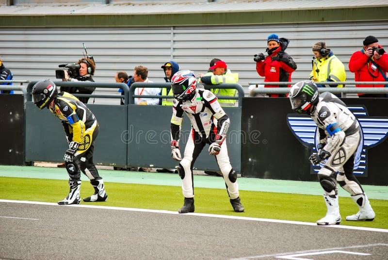 MAGNY COURS/FRANKRIJK - 20 APRIL, 2013: De bestuurders in Le Mans beginnen stock fotografie