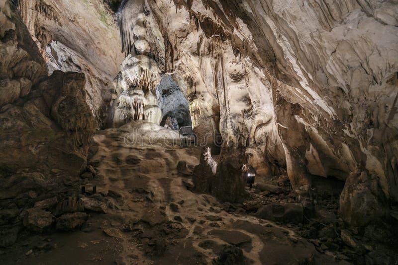 Η σπηλιά Magura από τη βόρεια δυτική Βουλγαρία κοντά σε Belogradchik στην επαρχία Vidin στοκ φωτογραφία με δικαίωμα ελεύθερης χρήσης