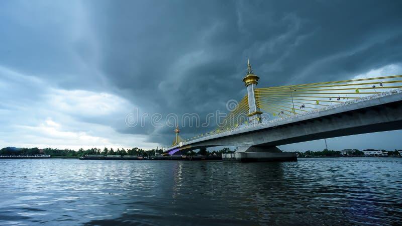 Maha Jetsada Bodin Nusorn Bridge en Tailandia foto de archivo libre de regalías