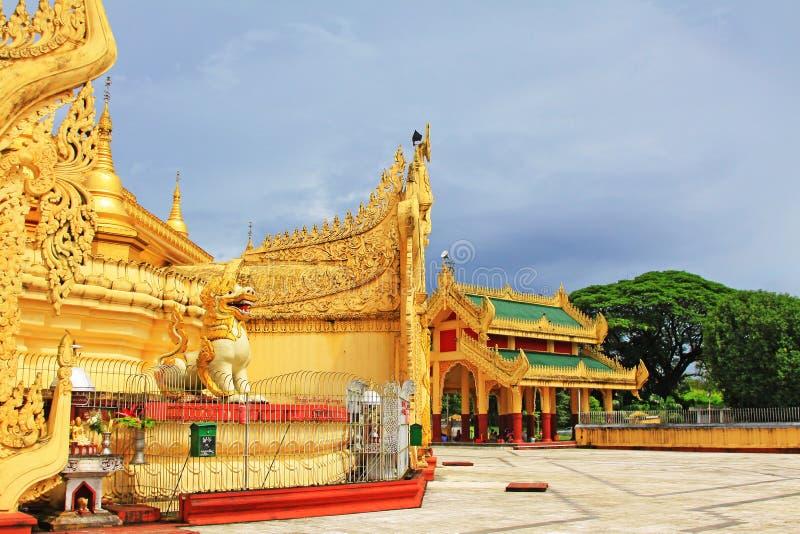 Maha Wizaya Pagoda, Rangoon, Myanmar fotografia stock libera da diritti