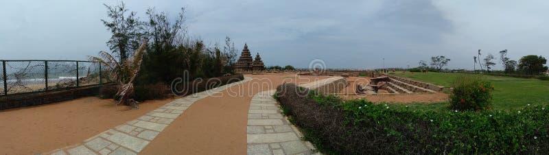 Mahabalipuram Panroama des Küsten-Tempels lizenzfreie stockbilder