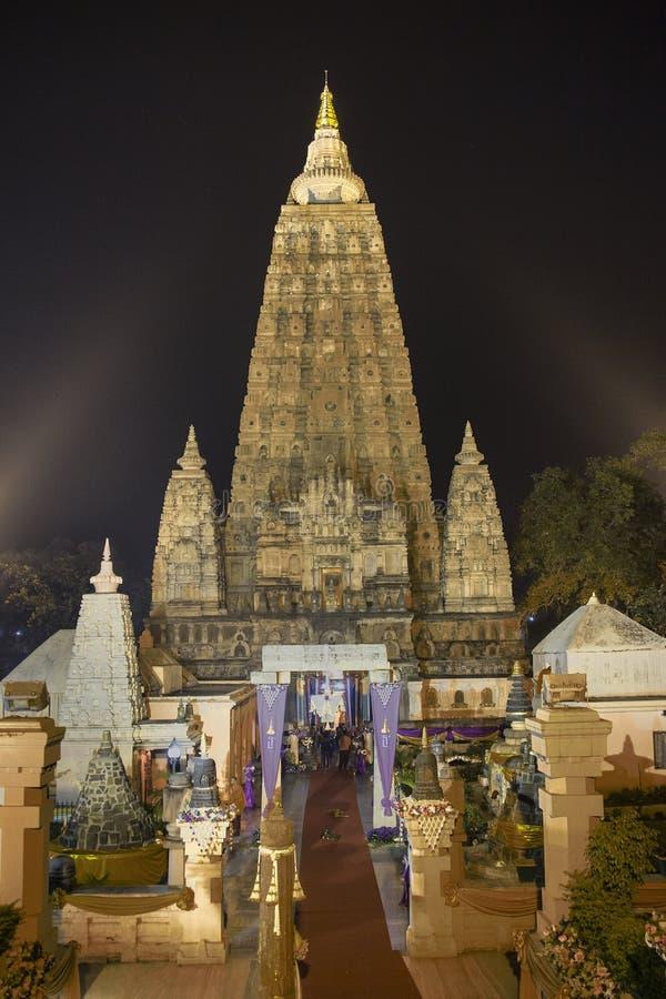Mahabodhi寺庙, Bodhgaya在晚上 图库摄影