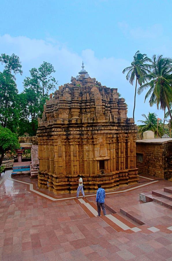Mahalingeshwara świątynia blisko Gokak spada, Gokak, Belagavi, Karnataka obraz stock