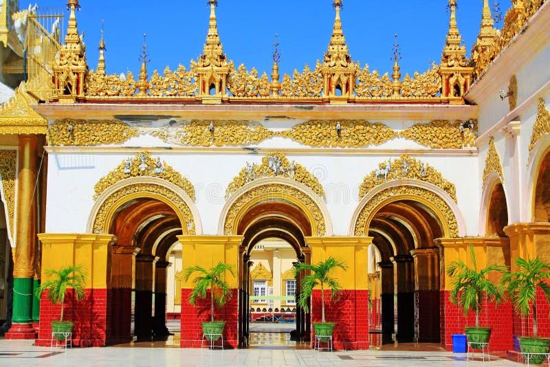 Mahamuni Buddha świątynia, Mandalay, Myanmar obraz stock