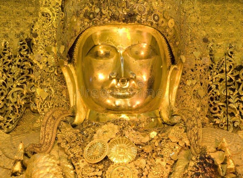 Mahamuni, estátua dourada grande de Buddha imagens de stock royalty free