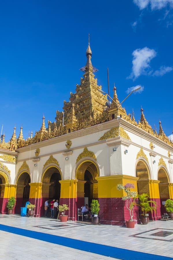 Mahamuni pagoda w Mandalay, Myanmar zdjęcie royalty free