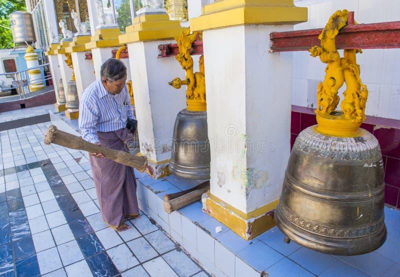 Mahamuni pagoda w Mandalay, Myanmar zdjęcie stock