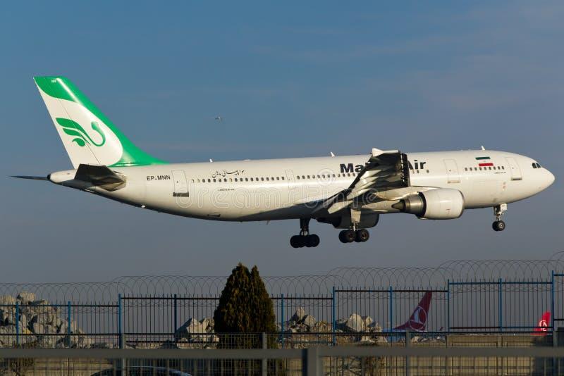 Mahan Air Aerobus A300 obrazy stock