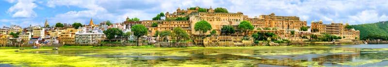 Maharajah Slott i den Udaipur staden, Indien royaltyfri fotografi