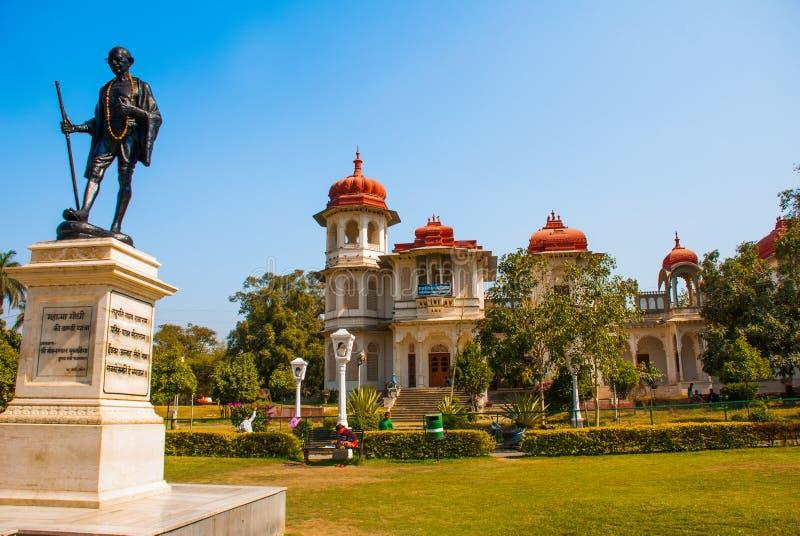 Mahatma Gahdhi staty i Udaipur, Rajasthan, Indien fotografering för bildbyråer