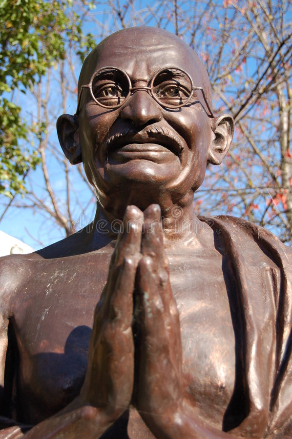 Free Mahatma Gandhi Statue Royalty Free Stock Photography - 3589347