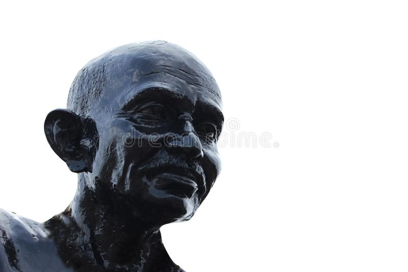 Mahatma Gandhi staty på den Malpe stranden arkivbild