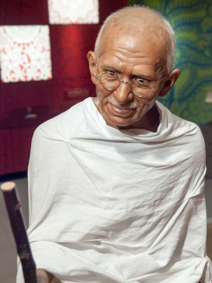 Mahatma Gandhi vaxar statyn arkivbilder