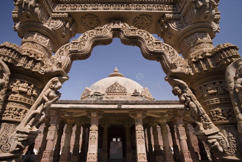 Mahavira Świątynia India - Osian blisko Jodhpur - zdjęcie stock
