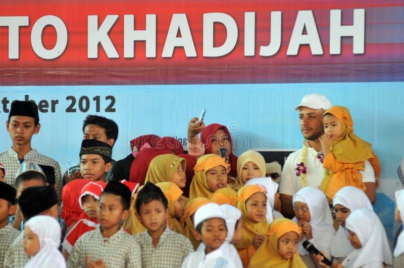 Maher Zain in Surabaya lizenzfreie stockbilder
