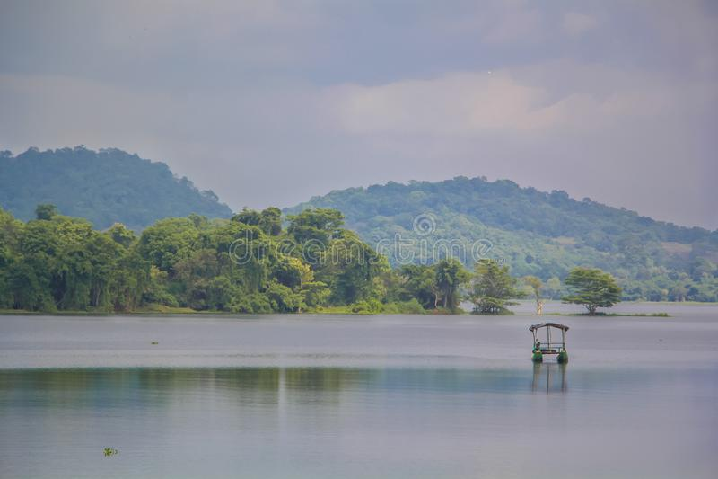 Mahiyanganaya Sorabora湖,斯里兰卡 免版税库存图片