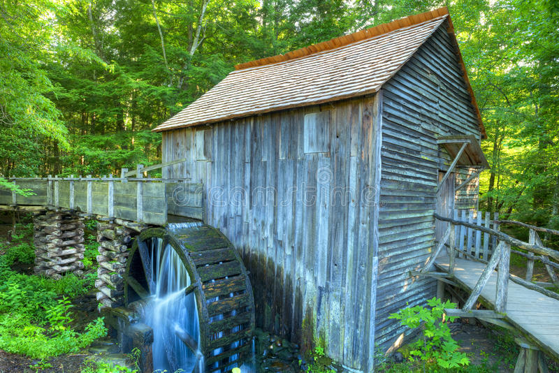 Mahlgut-Mühle lizenzfreie stockfotos