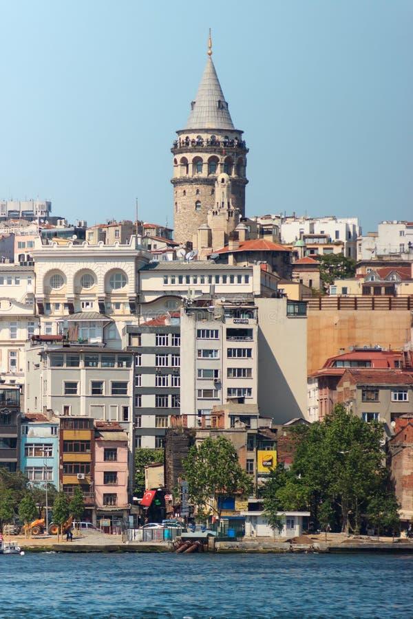 9. Mai 2016: Galata Turm und Bosphorus in Istanbul, die Türkei lizenzfreies stockfoto
