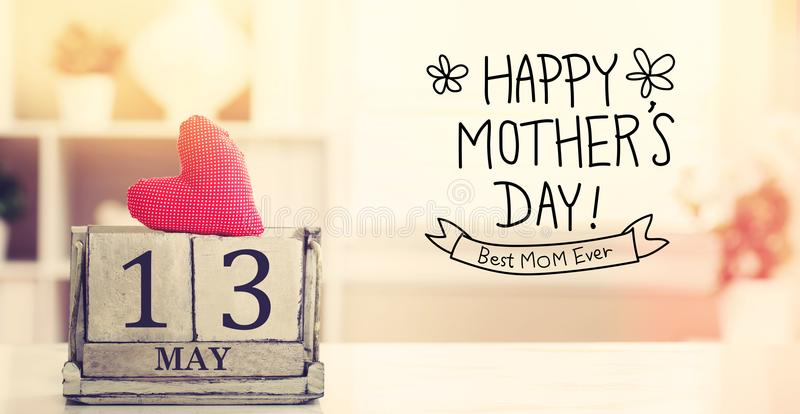 13 mai message heureux de jour de mères avec le calendrier photographie stock libre de droits