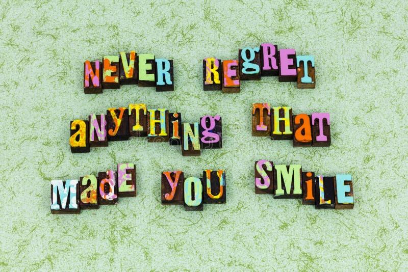Mai non sorridere di sorriso di rammarico felice fotografie stock