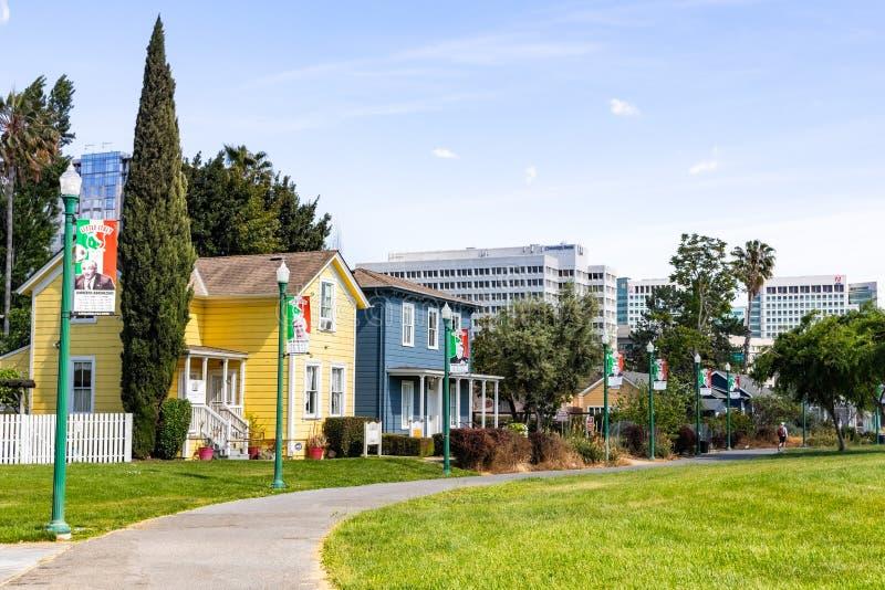 5. Mai 2019 San Jose/CA/USA - San Jose im Stadtzentrum gelegene Skyline, wie von der wenigen Italien-Nachbarschaft an einem sonni lizenzfreie stockfotografie