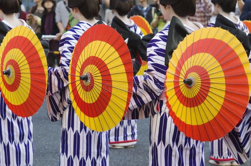 Maiko на фестивале Нагои, Японии стоковые фотографии rf