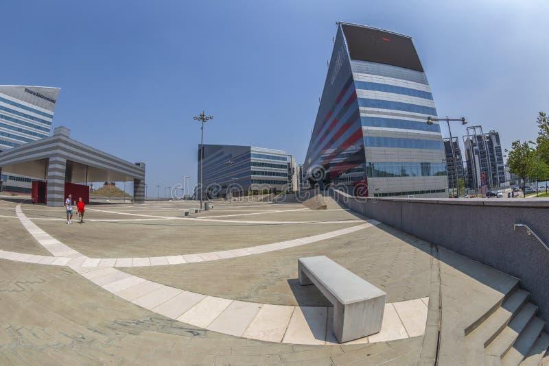 Mailand-Gebäude des Marktplatz-Gino Valle, Vittoria Assicurazionis und der Casa, Mailand, Italien lizenzfreie stockfotografie