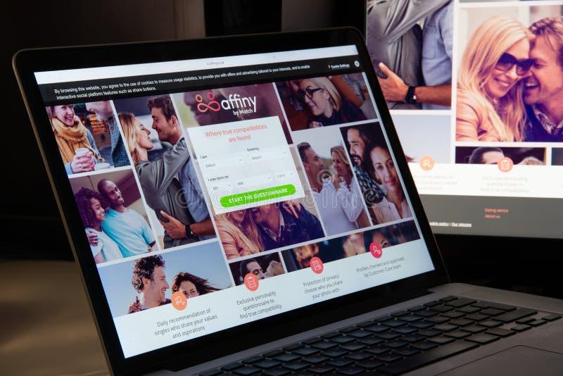 Mailand, Italien - 15. August 2018: affiny Websitehomepage affiny lizenzfreie stockbilder