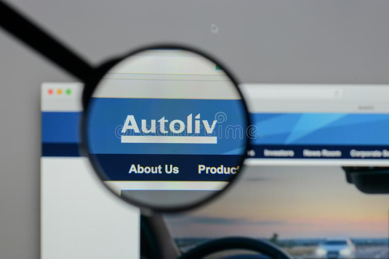 Mailand, Italien - 10. August 2017: Autoliv-Logo auf dem Website hom lizenzfreies stockfoto