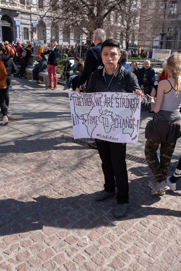 MAILAND, ITALIEN, 15/03/2019, Freitag für Zukunft, Bürger, die im Falle teilnehmen lizenzfreie stockfotografie