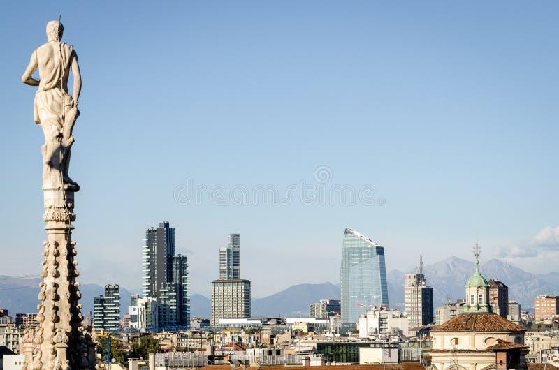 Mailand, Skyline mit neuen Wolkenkratzern stockbild