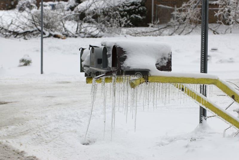 Mailboxes im Winter stockbilder