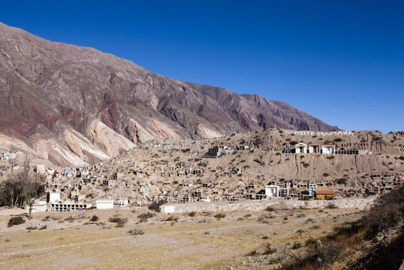 Maimara - de het palet kleurrijke bergen van de Schilder in Jujuy, Nortern Argentinië stock fotografie