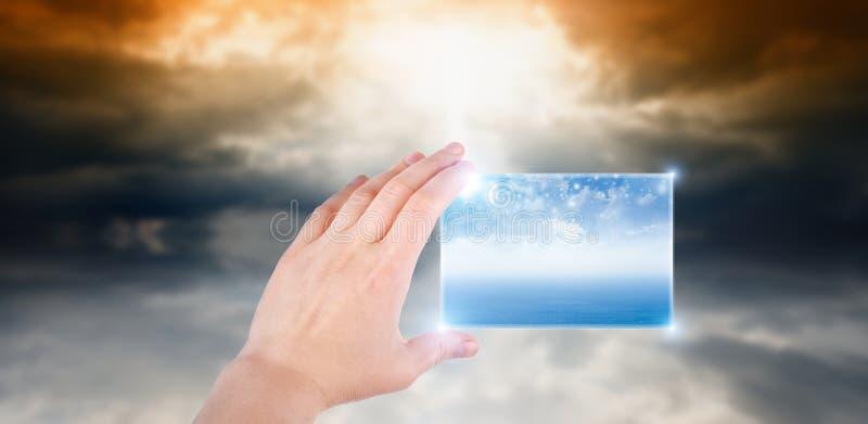 Main avec le smartphone abstrait images stock