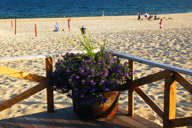 Main Beach, East Hampton. A flower pot sits at the corner of the Main Beach Pavilion in East Hampton, Long Island stock images