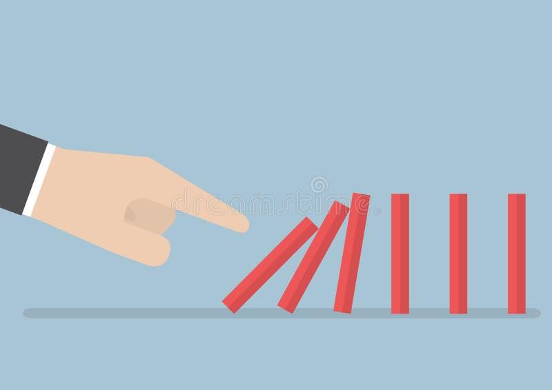 Main d'homme d'affaires poussant l'effet de domino illustration libre de droits