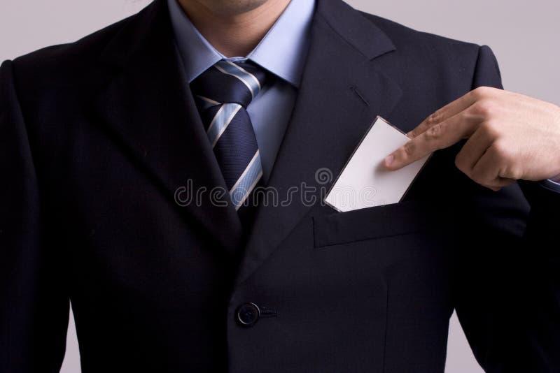 Main de businesscard de offre d'homme d'affaires image stock
