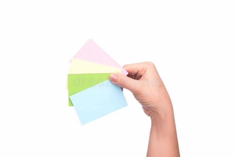 Main de femme avec des cartes de crédit photos libres de droits