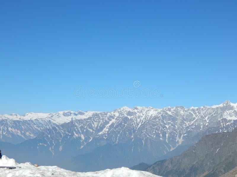 Download Main Dessinant Une Couleur D'eau Photo stock - Image du sommet, hiver: 45350152