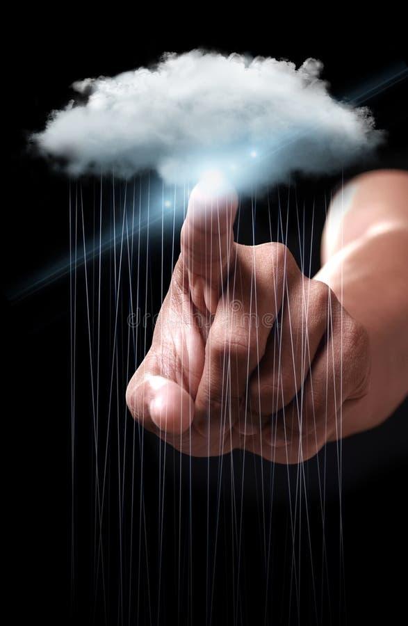 Main dirigeant la technologie informatique de nuage image stock