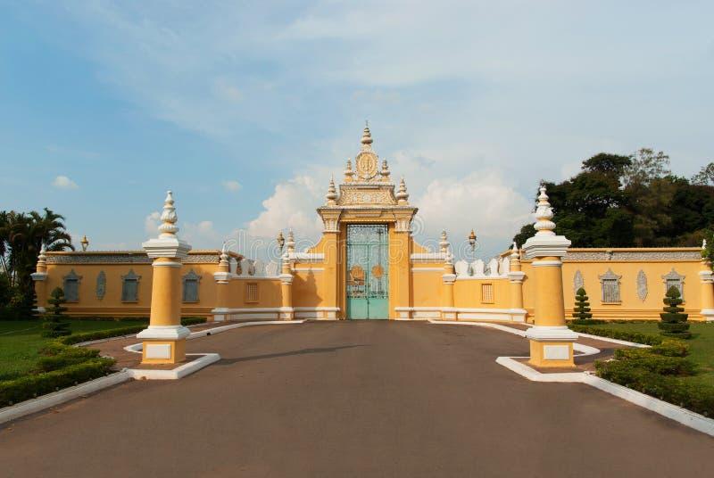 Download Main Gate To Royal Palace In Phnom Penh Stock Image - Image: 37131157